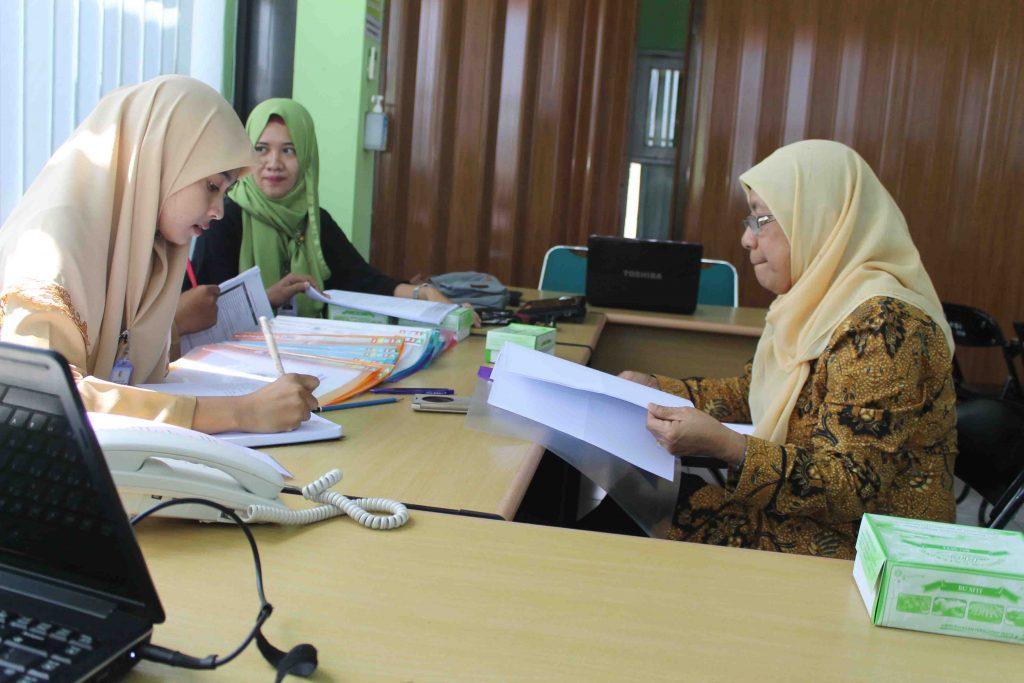 Potret Kegiatan Bimbingan Akreditasi RS At-Turots Al-Islamy Ruang aula 4